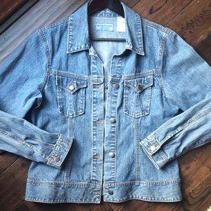 Wrangler 90s style throwback vintage jean jacket